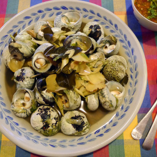 Periwinkles (sea snails) with dipping sauce – hoy jim jeow