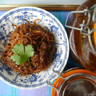 Jeow bong – Lao spicy chili relish with shredded pork skin